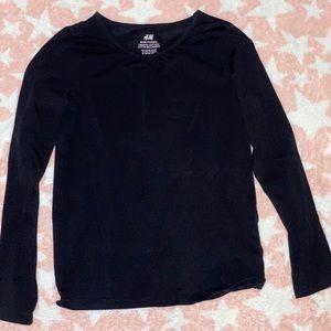H&M girls long sleeve shirt size 6-8 used